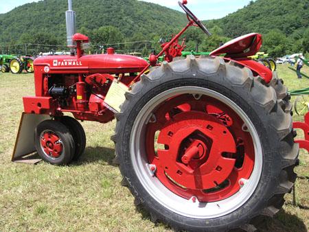 tractors 122
